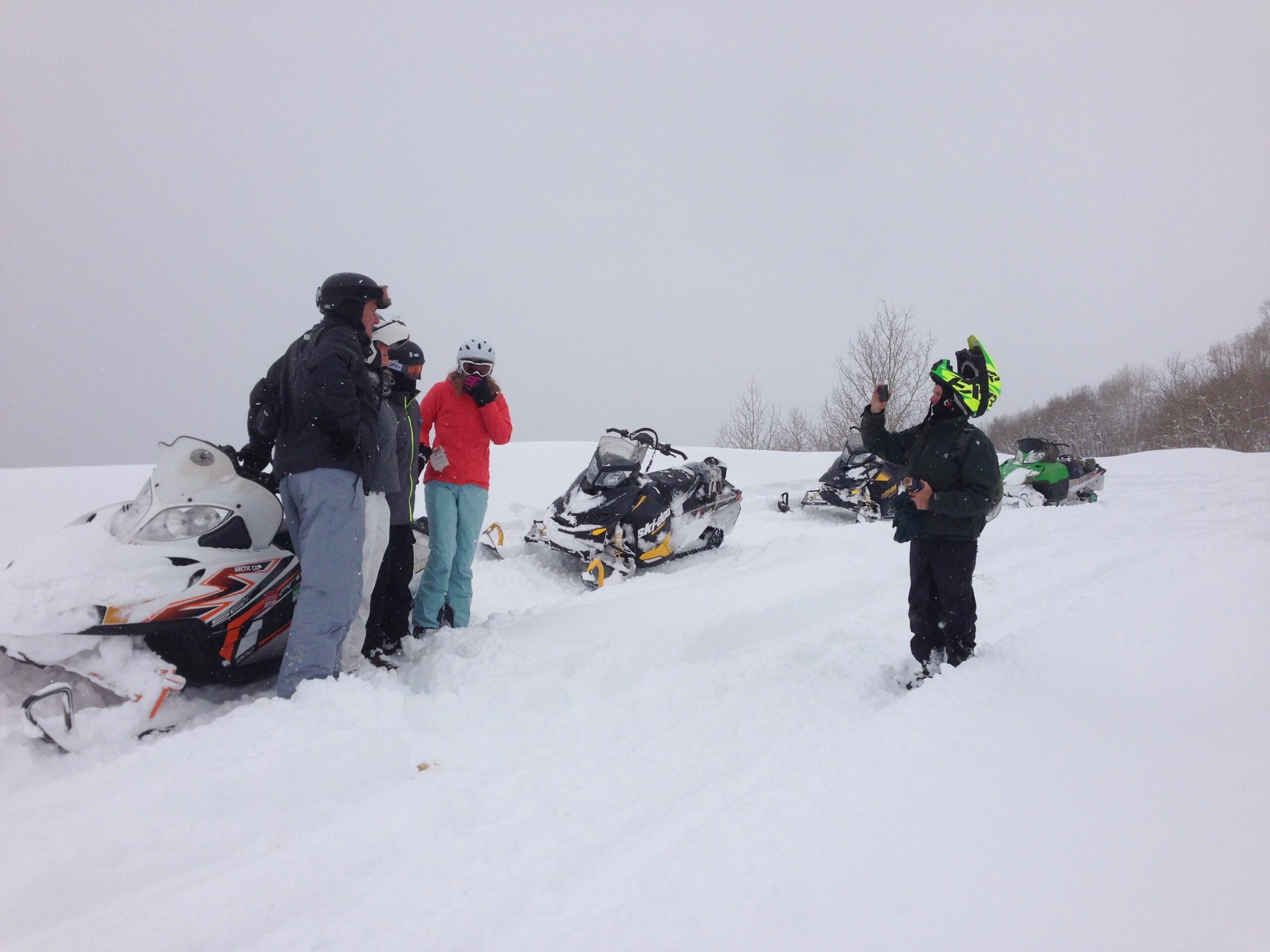 group pic snowmobiling